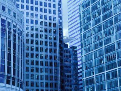 Cursar un posgrado en una escuela de negocios internacional mejora tu networking