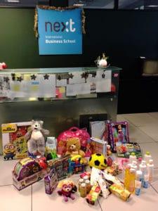 Muestra de los juguetes y productos de higiene y alimentación infantil recogidos