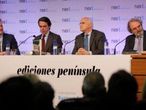 """Aznar se """"ofrece"""" a reconstruir el centro derecha"""