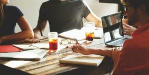 La confianza entre los empleados es una de las ventajas de las empresas familiares.