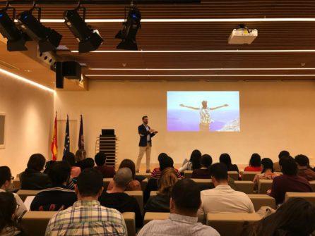 Alberto Alcolea cuenta a los alumnos de Next IBS cómo sacar adelante un proyecto empresarial