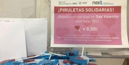Las piruletas solidarias llenan Next IBS por San Valentín