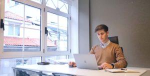 Adrián Fontán, alumni de Next, nos cuenta cómo está viviendo su nueva etapa como responsable de Comunicación de una consultora